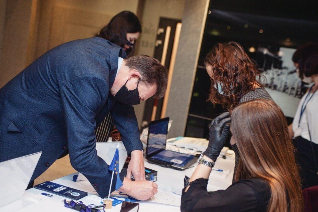 WSBPI Apeiron Erasmus International Days journal display